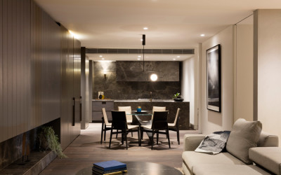 DOWNSIZES DRIVE LUXE LEANINGS